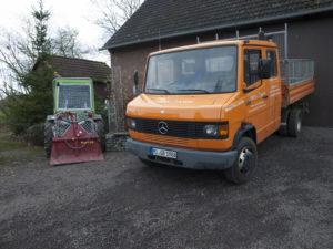 Unser LKW zum Transport von schweren Geräten oder der Abfuhr von Materialien